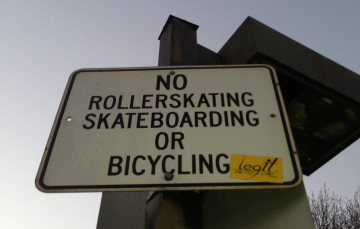 longboarding-ban-no-skateboarding-sign-zoom